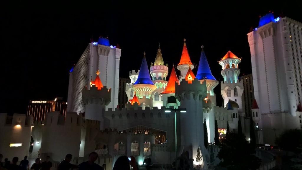 Das Excalibur bei Nacht...
